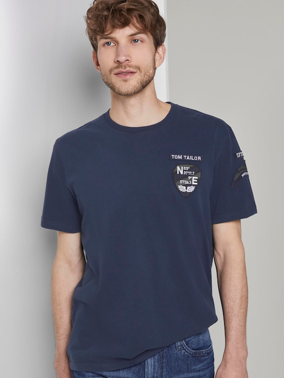 T-Shirt mit Badge-Details - Männer - Black Iris Blue - 5 - TOM TAILOR