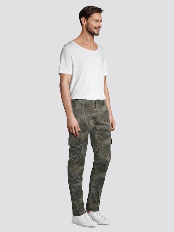 Cargo Hose mit Camo-Print - Männer - olive palm design - 3 - TOM TAILOR