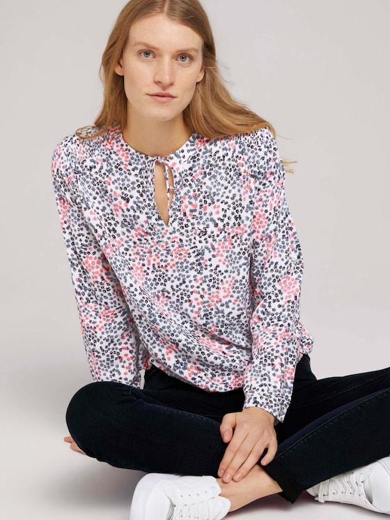 Gemusterte Bluse mit LENZING™ ECOVERO™ - Frauen - white multicolor flower design - 5 - TOM TAILOR