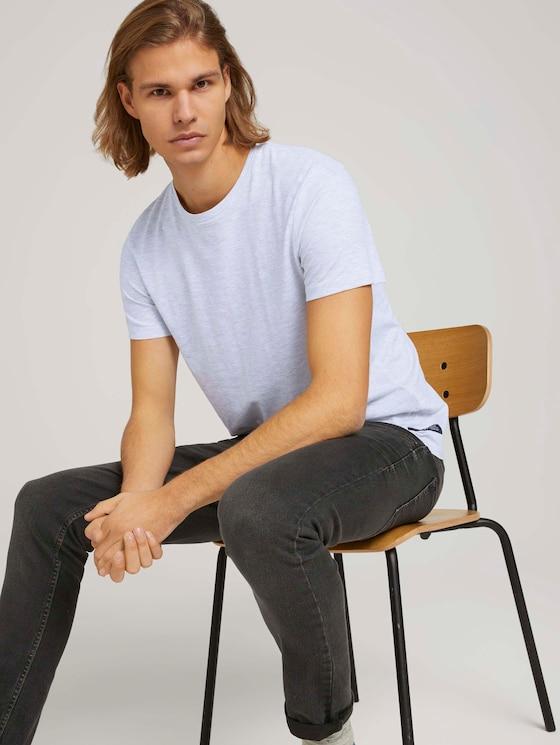 textured t-shirt with organic cotton - Men - Light Stone Grey Melange - 5 - TOM TAILOR Denim