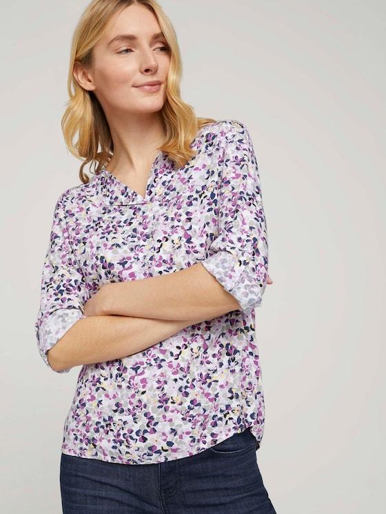 Gemusterte Bluse mit LENZING™ ECOVERO™ und V-Ausschnitt - Frauen - offwhite floral design - 5 - TOM TAILOR