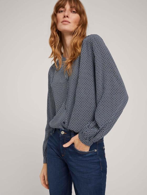 gemusterte Bluse mit LENZING™ ECOVERO™ und Knopfleiste - Frauen - navy geometrical design - 5 - TOM TAILOR
