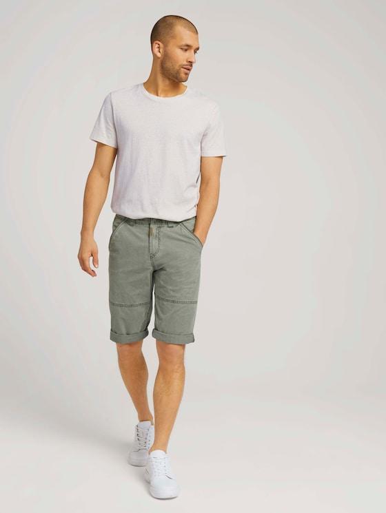 Max regular over-knee shorts - Men - Tree Moss Green - 3 - TOM TAILOR