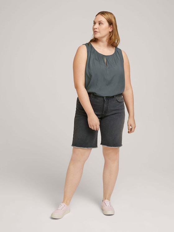Curvy - Denim Relaxed Shorts - Frauen - dark stone black denim - 3 - My True Me