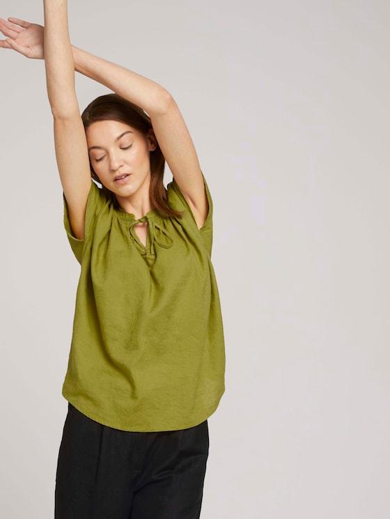 Short-sleeved blouse with linen - Women - gecko green - 5 - TOM TAILOR