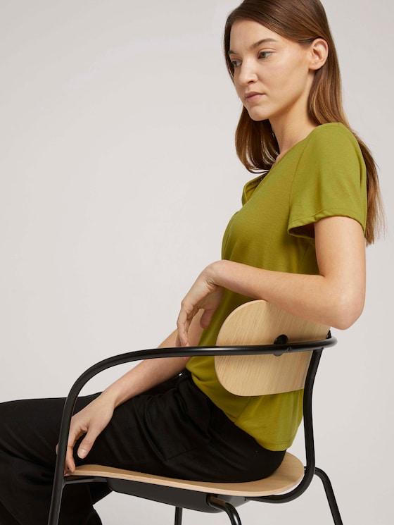 T-Shirt mit V-Ausschnitt - Frauen - gecko green - 5 - TOM TAILOR