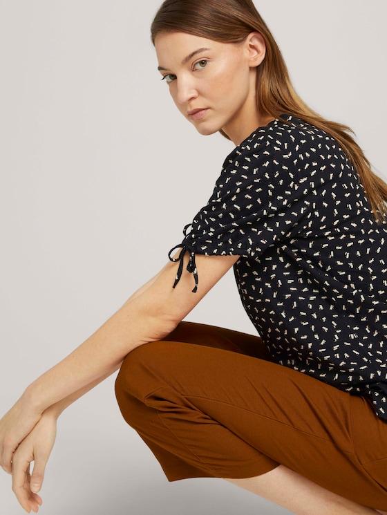 Gemustertes T-Shirt mit Ärmeldetail - Frauen - black geometrical design - 5 - TOM TAILOR