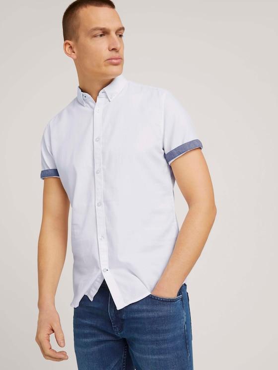 Strukturiertes Kurzarmhemd mit Bio-Baumwolle - Männer - White - 5 - TOM TAILOR