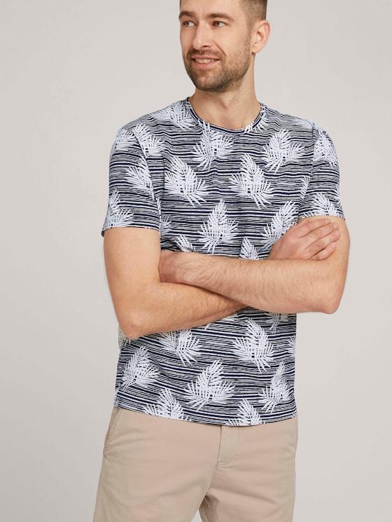 gemustertes T-Shirt mit Bio-Baumwolle - Männer - navy white leaf stripe design - 5 - TOM TAILOR