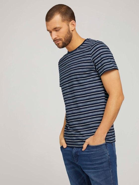 gestreiftes T-Shirt mit Rundhalsausschnitt - Männer - Blue Off White Stripe - 5 - TOM TAILOR