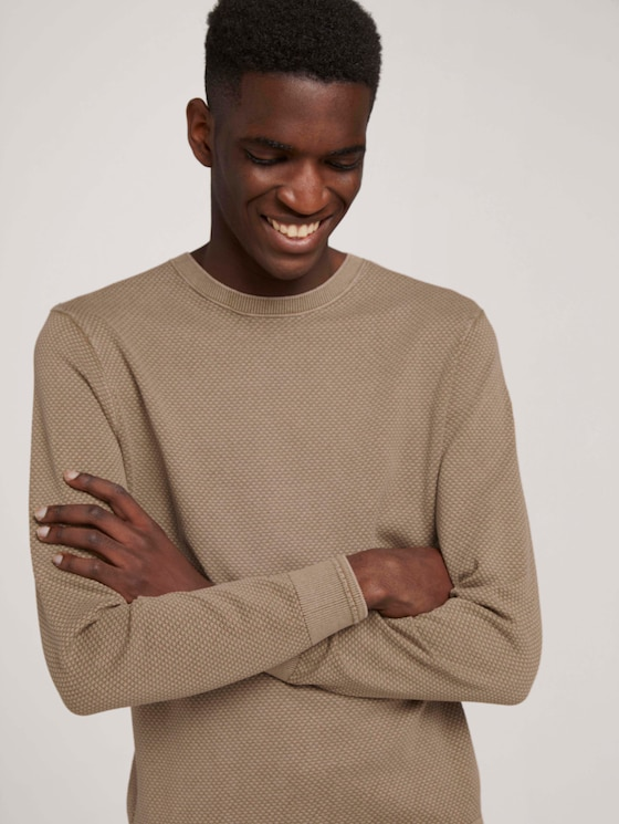 Knitted sweater with a textured pattern - Men - Beach Sand - 5 - TOM TAILOR