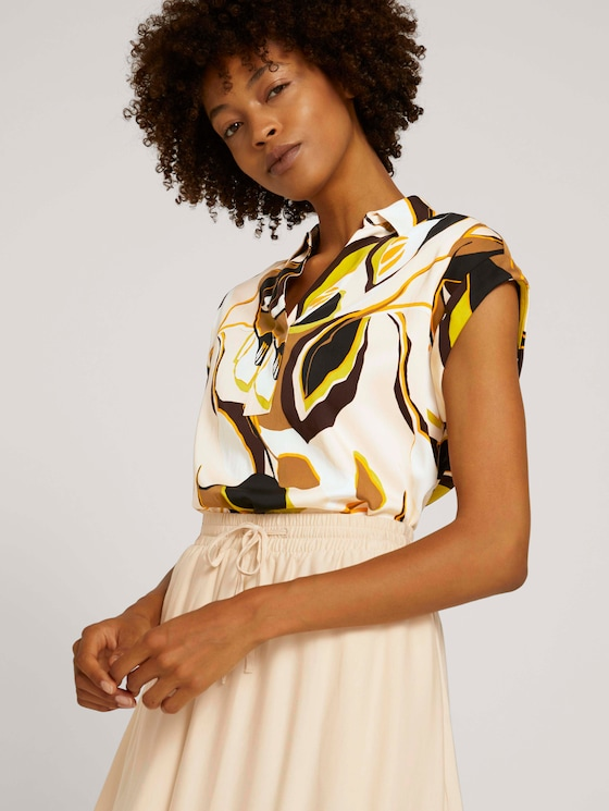 Short-sleeved blouse with a pattern - Women - brown green leaves design - 5 - Mine to five