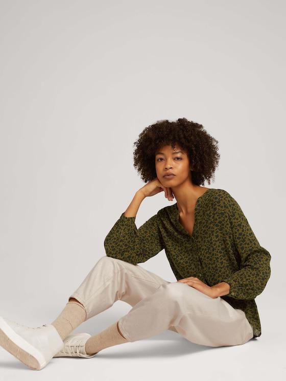 Patterned Henley blouse - Women - green shades floral design - 5 - TOM TAILOR