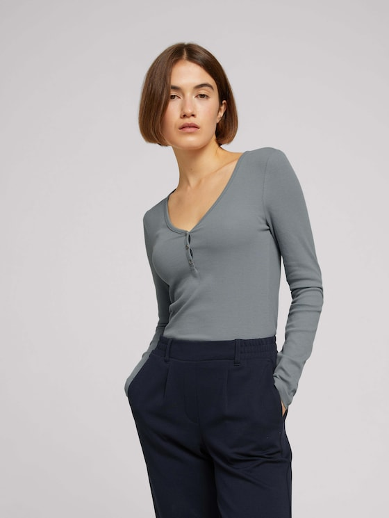 Long-sleeved shirt with a V-neckline made of sustainable cotton - Women - grey mint - 5 - TOM TAILOR Denim