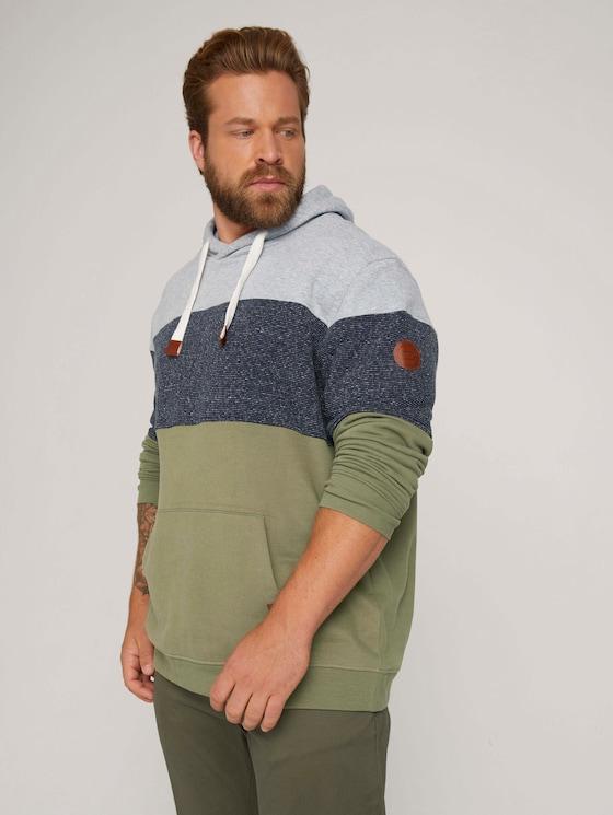 hoodie with colour blocking - Men - Oak Leaf Green - 5 - Men Plus