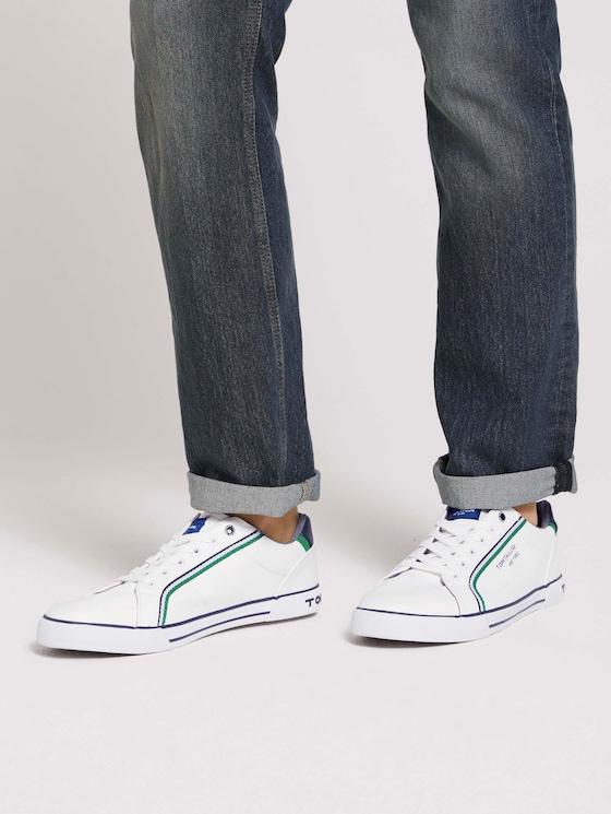 Sneaker mit Streifendetail - Männer - white - 5 - TOM TAILOR