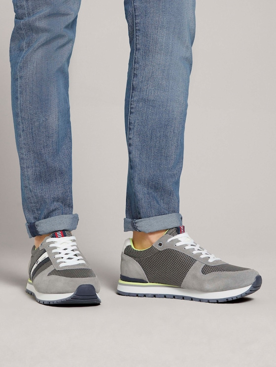 Sneaker mit Farbakzenten - Männer - grey - 5 - TOM TAILOR