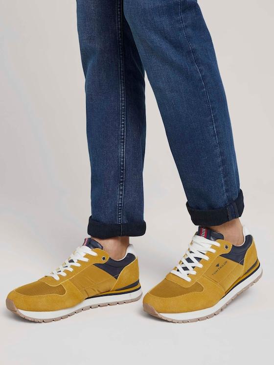 Sneaker mit Farbakzenten - Männer - yellow - 5 - TOM TAILOR