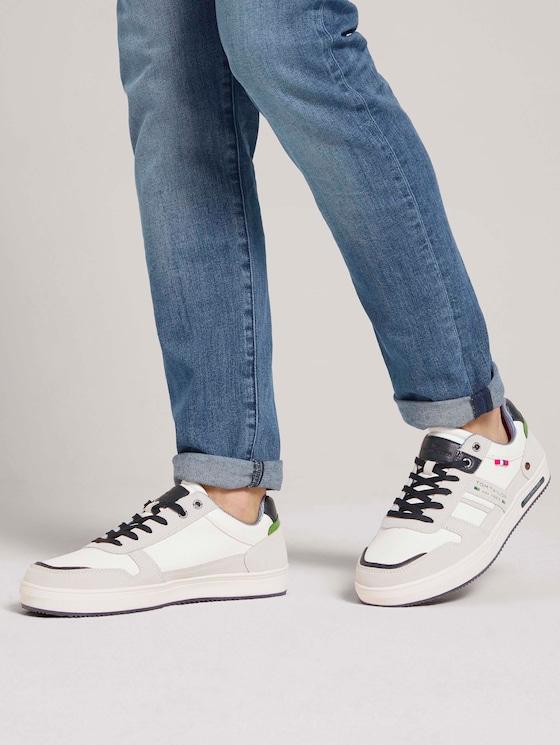 Sneaker mit seitlichen Akzenten - Männer - white - 5 - TOM TAILOR