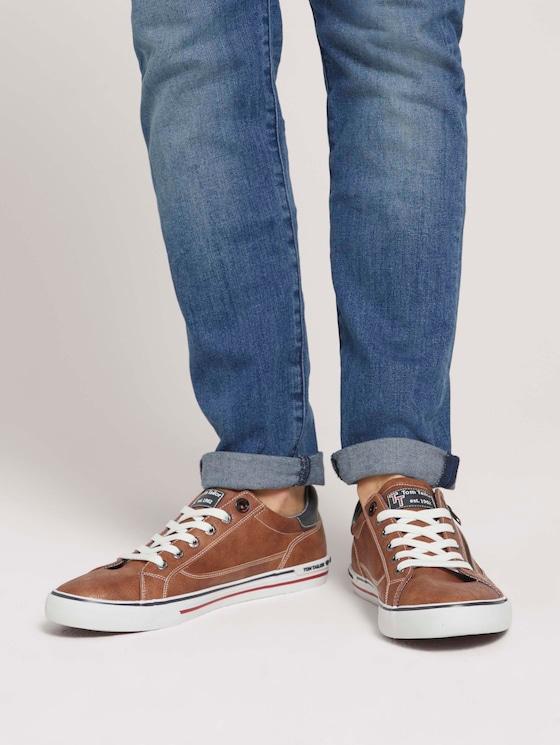 Sneaker mit seitlichem Reißverschluss - Männer - cognac - 5 - TOM TAILOR