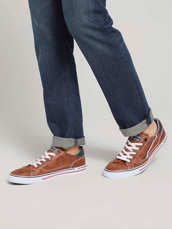 Sneaker mit seitlichen Streifen - Männer - cognac - 5 - TOM TAILOR