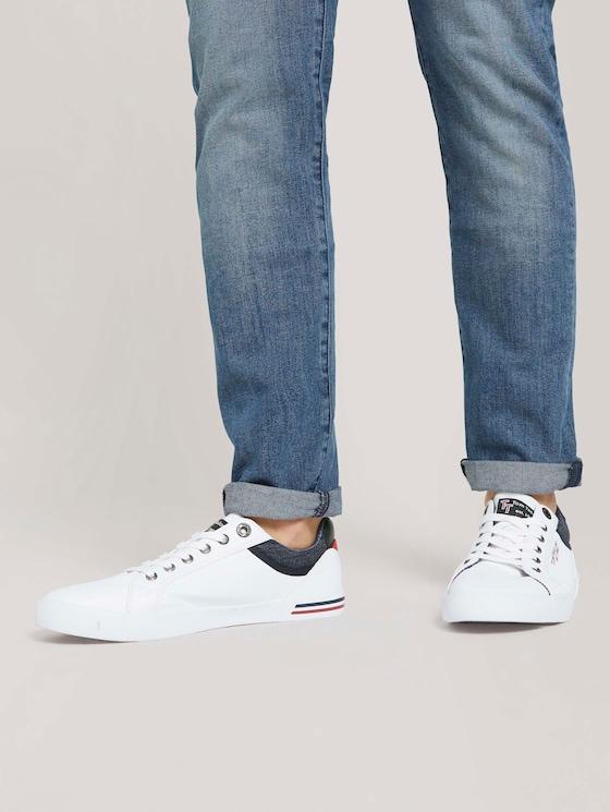 Sneaker mit seitlichem Print - Männer - white - 5 - TOM TAILOR