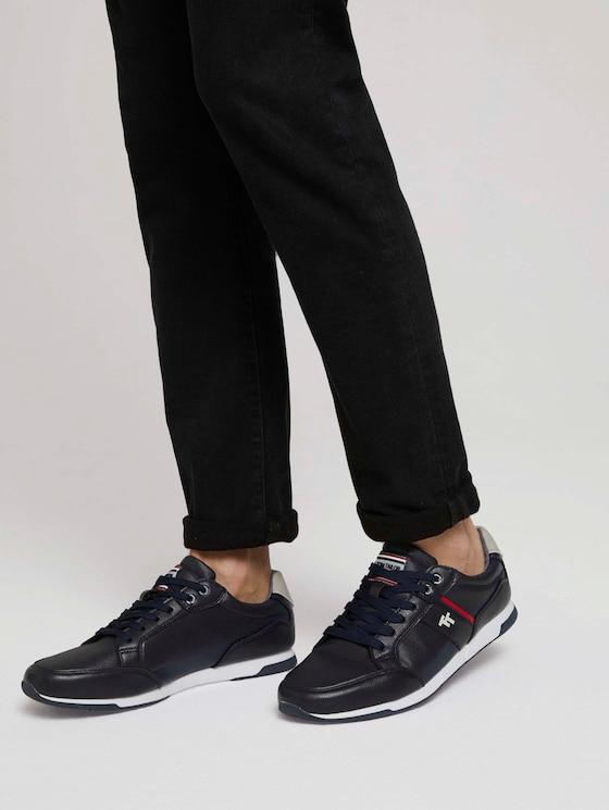 Sneaker mit Farbakzenten - Männer - navy - 5 - TOM TAILOR