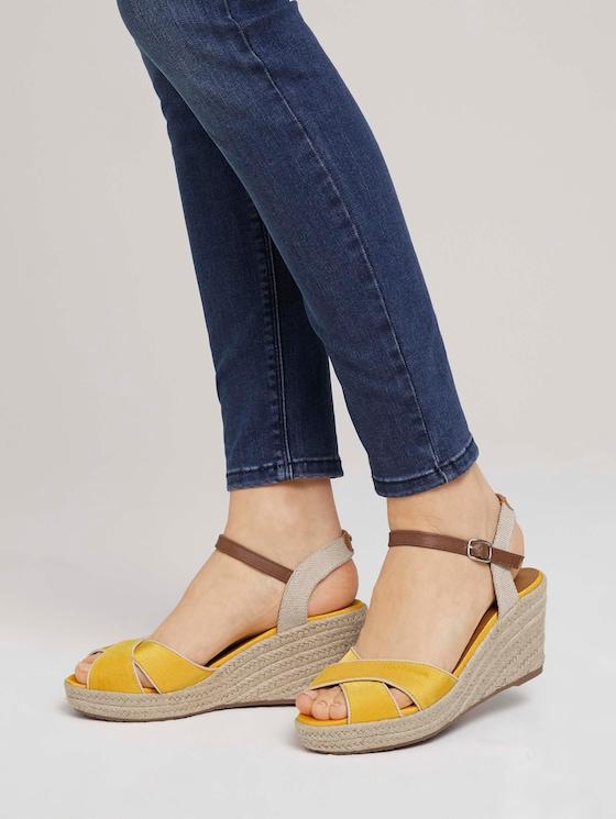 Sandaletten mit Keilabsatz - Frauen - yellow - 5 - TOM TAILOR