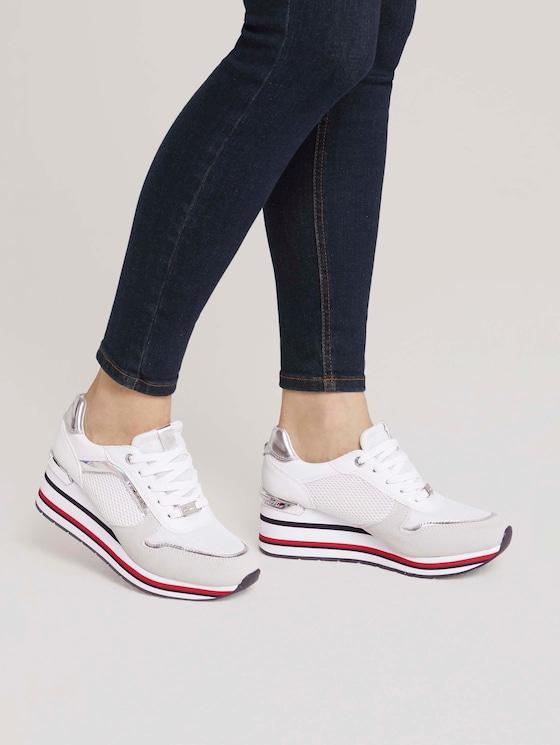 Sneaker mit Keilabsatz - Frauen - white-silver - 5 - TOM TAILOR Denim