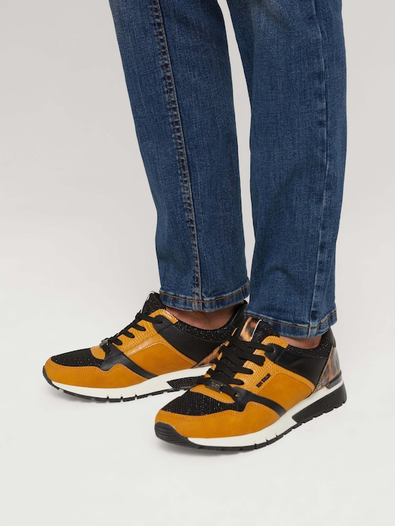 Sneaker with leopard pattern and glitter details - Women - curry - 5 - TOM TAILOR