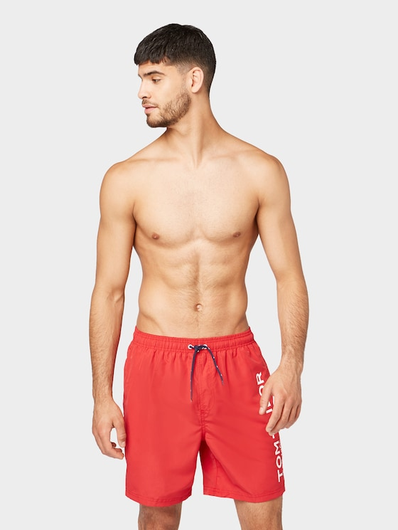 Swimming trunks with a large letter print on the side - Men - poppy red - 1 - TOM TAILOR