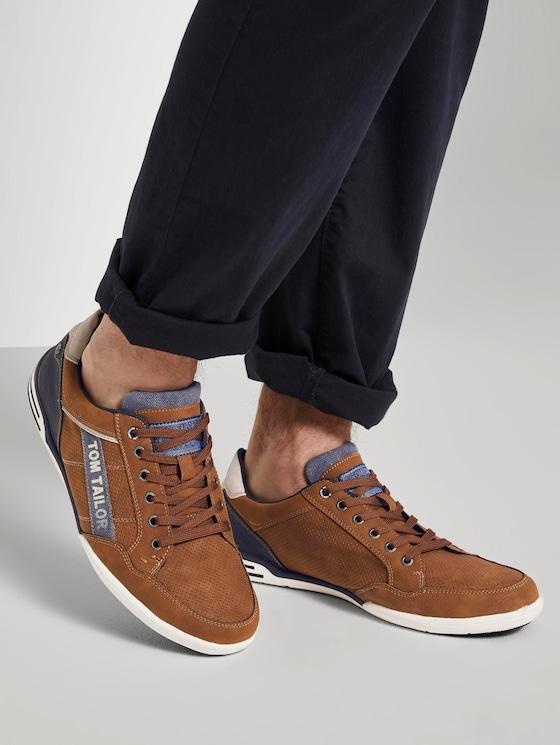 Sneaker mit Logo-Print - Männer - cognac - 5 - TOM TAILOR
