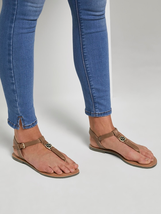 Strappy sandals with a logo coin - Women - cognac - 5 - TOM TAILOR