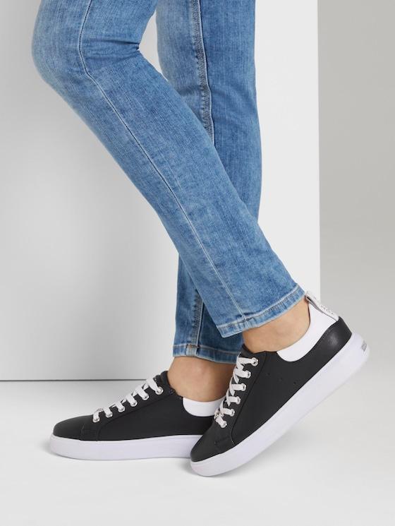 Sneaker mit breiter Sohle - Frauen - black-white - 5 - TOM TAILOR
