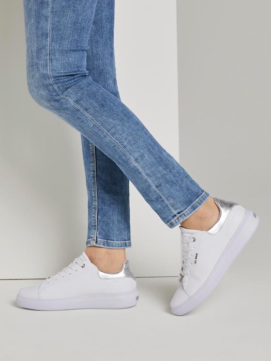 Schlichter Sneaker mit breiter Sohle - Frauen - white-silver - 5 - TOM TAILOR