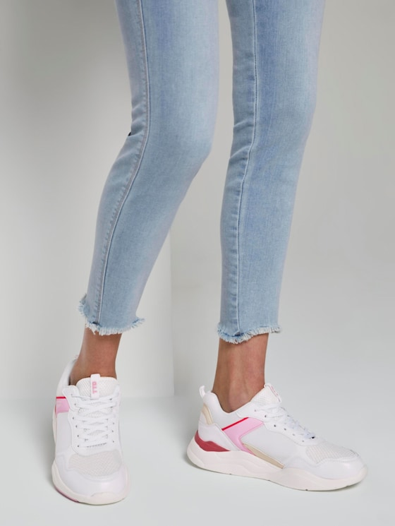 Sneaker mit Farbakzent - Frauen - white-pink-red - 5 - TOM TAILOR Denim