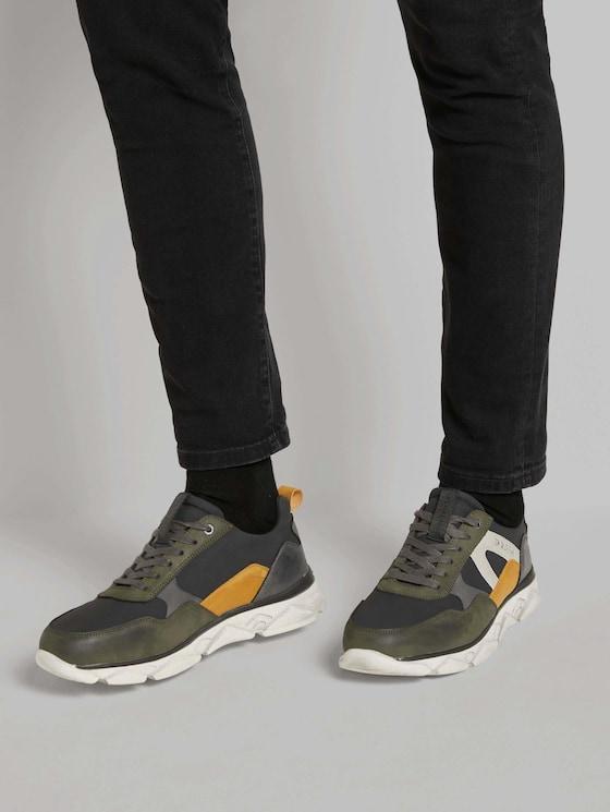 Sportliche Sneaker - Männer - black-khaki - 5 - TOM TAILOR
