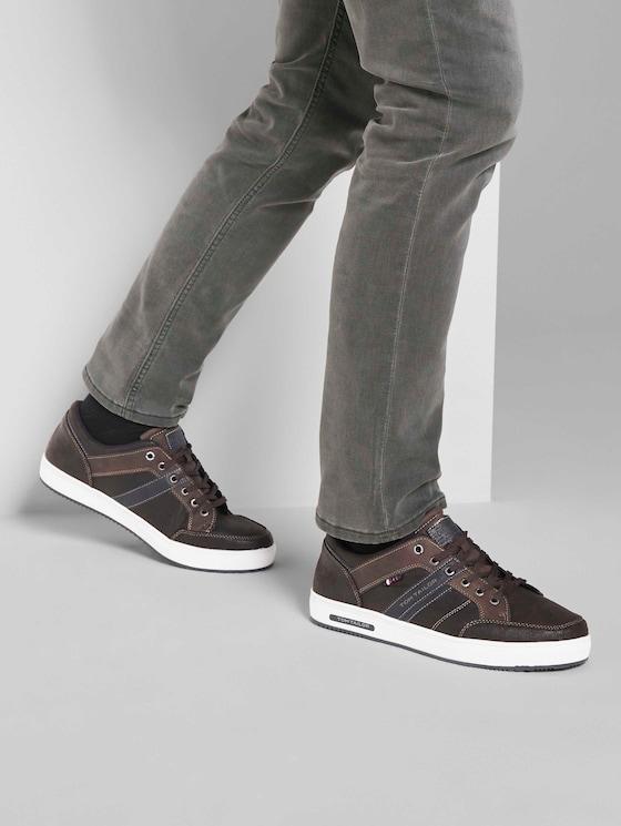Sneaker aus Kunstleder - Männer - brown - 5 - TOM TAILOR