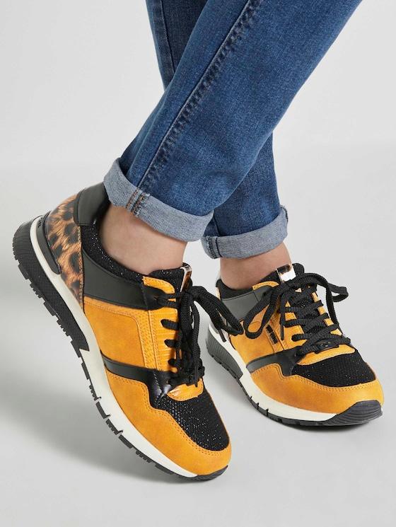 Sneaker mit Leo-Detail - Frauen - curry - 5 - TOM TAILOR