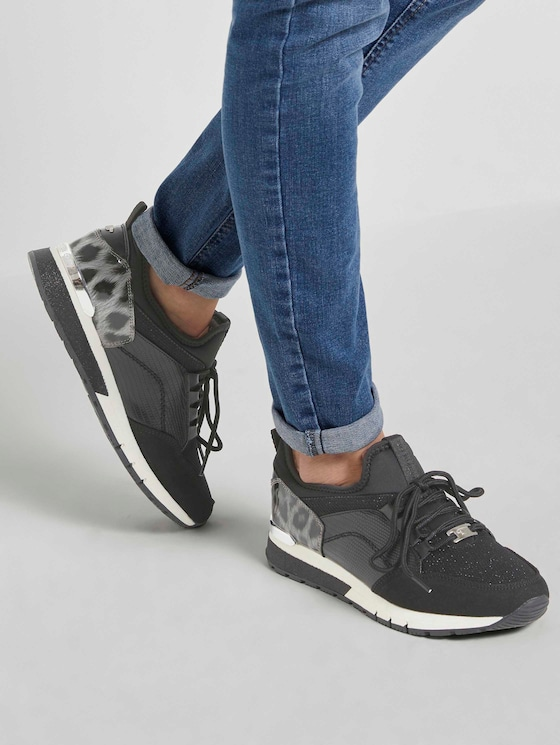 Sneaker mit Leo-Detail - Frauen - black - 5 - TOM TAILOR